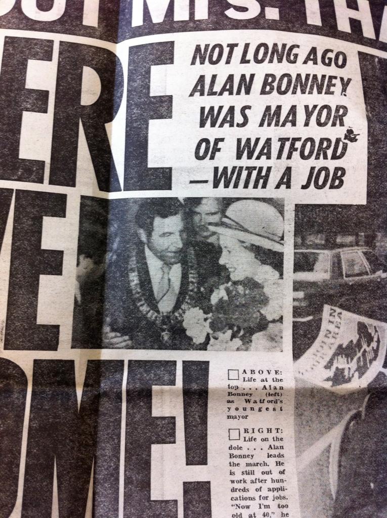 Alan Bonney as Mayor